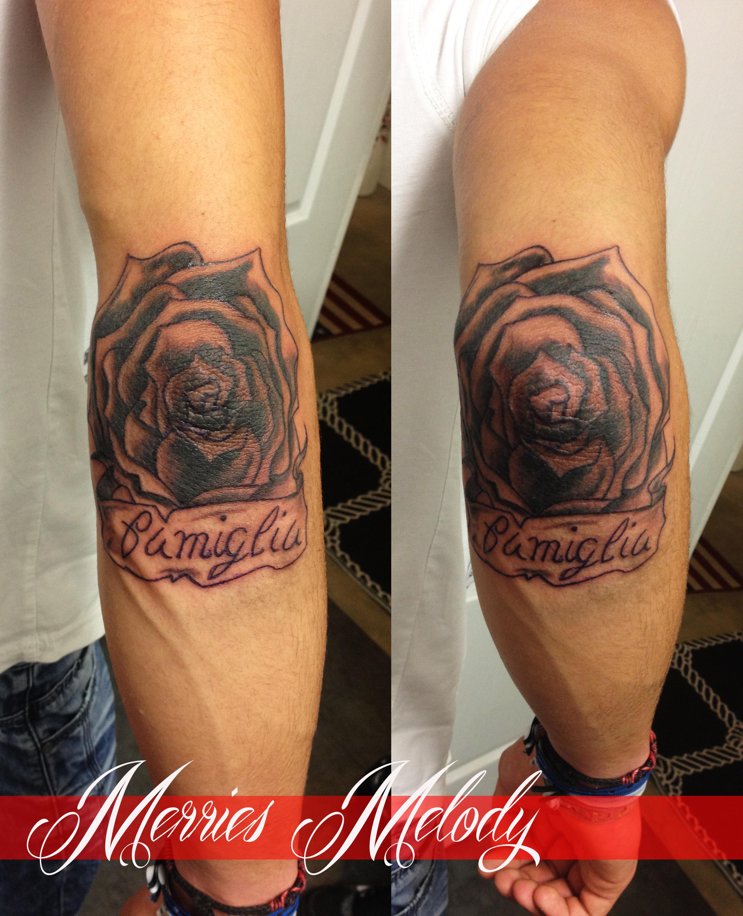 Coude Rose Artiste Tatoueuse Tatoueur Perpignan A Torreilles