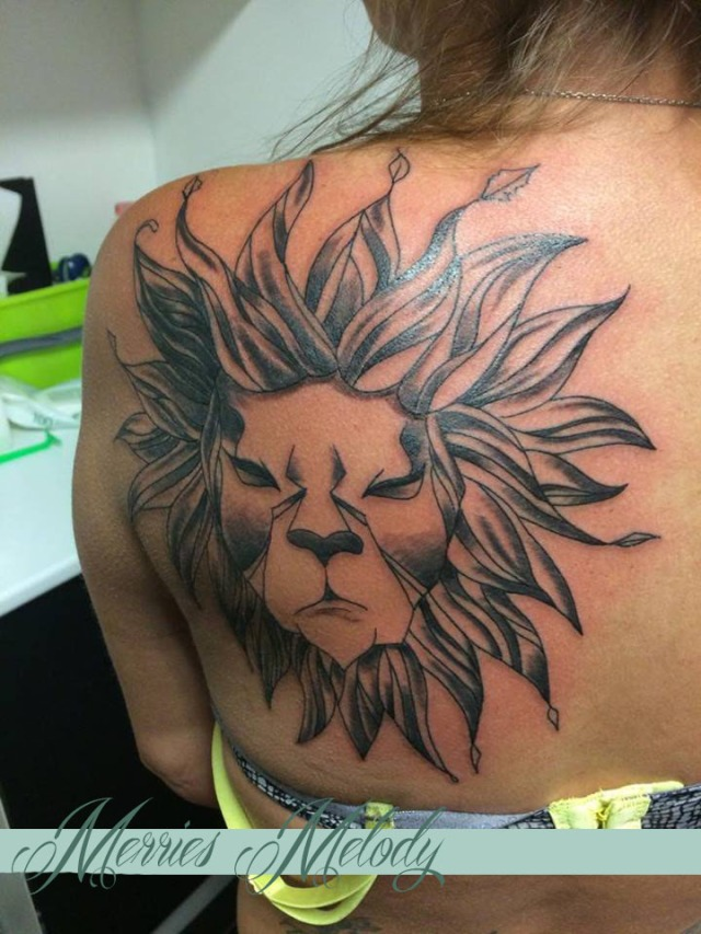 Lion r